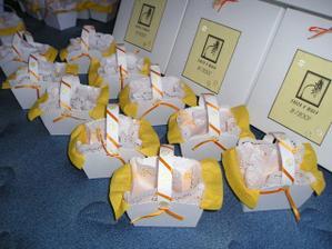 Krabičky a košíčky moje několikahodinová práce!!