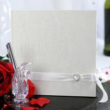 naše svatební kniha od Deninky