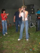 ségra to večer rozjela úžasnou recenzí na tanečnici u tyče - nedá se to vylíčit