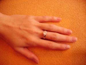moj prstienok ktory som dostala na dovolenke v taliansku na plazi...