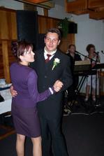 A tady můj muž s mou sestrou a svědkyní.