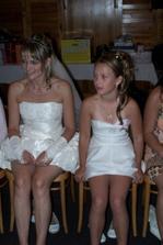 Družička je moje neteř a byly jsme jako malá a velká nevěsta:-) a stále spolu.