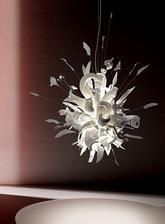 Porca Miseria - svietidlo z rozbitých tanierov a príboru :-)