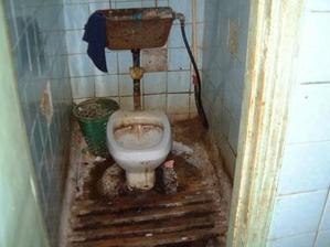 Záchod v přízemí.