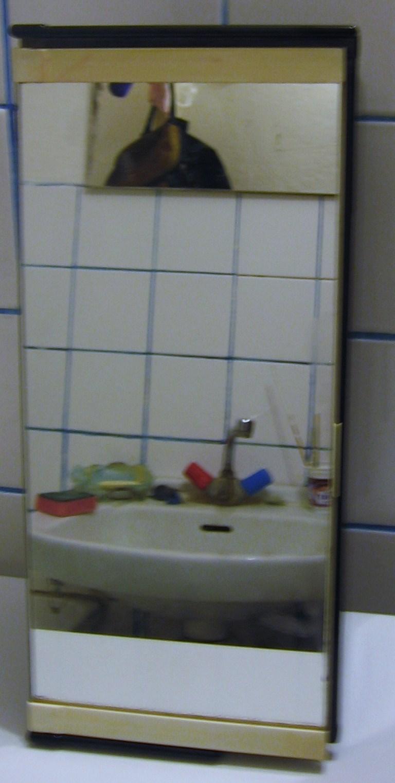 Zrkadlová skrinka do kupelne - Obrázok č. 3