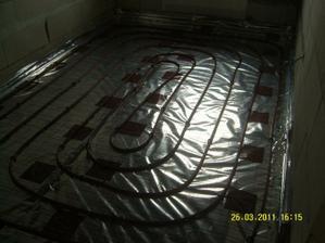 Pokracujeme s podlahovym kurenim.