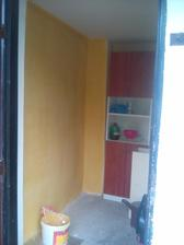 dneska som nasla žltú farbu .... a už je na stene :-) .. zajtra dam druhú vrstvu ... :-)