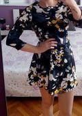 kvetové spoločenské šaty , 36