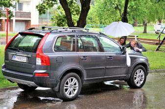 Ale nám pršalo... ešte že mám skvelých pomocníkov :)