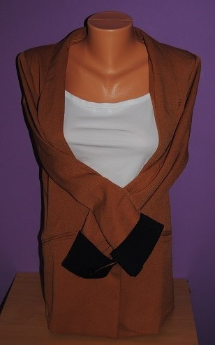 Hnědooranžové sako s tmavomodrýma rukávama vel.42 - Obrázek č. 1