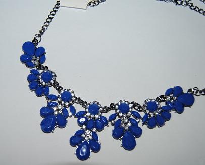 Nahrdelník s modrýma kamenama - Obrázek č. 2
