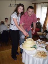 krajanie torty na druhy den:)