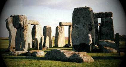 ..zmenšeninu Stonehenge....