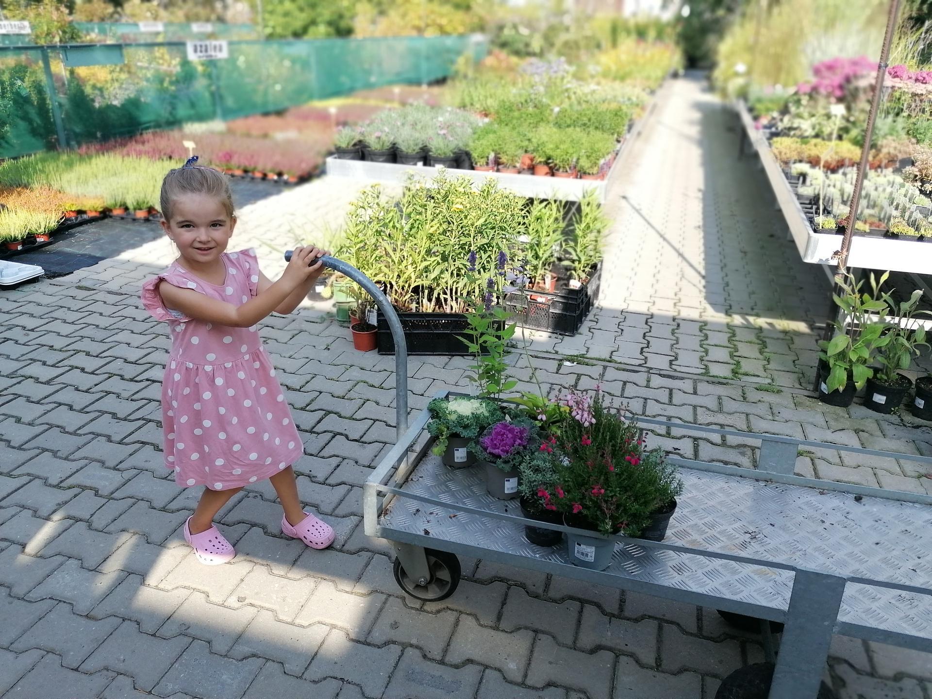 Začínáme se zahrádkou - S Natálkou milujeme návštěvy zahradnictví... Naše holčičí chvilka :)