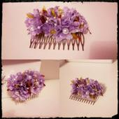 Kvetinový hrebienok do vlasov,