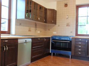 Kuchyn uz se zacina take rysovat :)