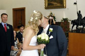 Svatebcane rikali, uz staci, abysme tu nebyli az do vecera