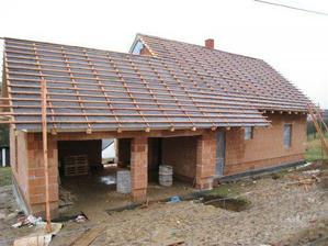 strecha uz mela byt davno hotova :(