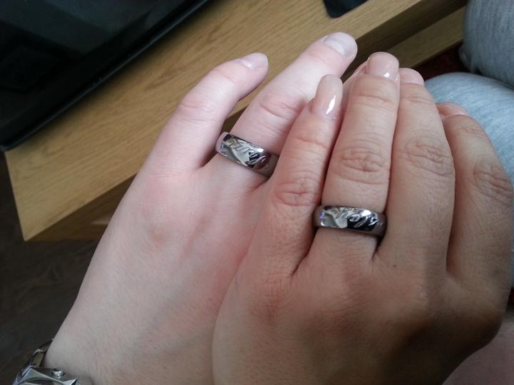 Nase prstienky - Uz sa nemozeme dockat kedy ich uz budeme mat na prstoch naveky..