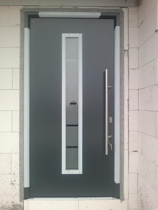Náš domčok - KONTRAST - Nase nove dvere