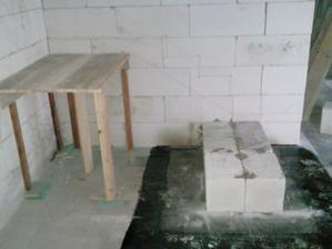 izolovanie zakladu schodov od betonu ytongom