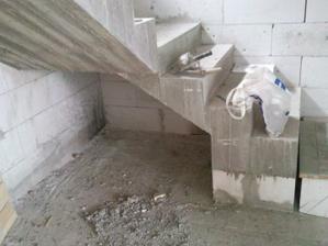 dokoncene schody polozene na ytongu P2-400 nech zima nejde od nóch