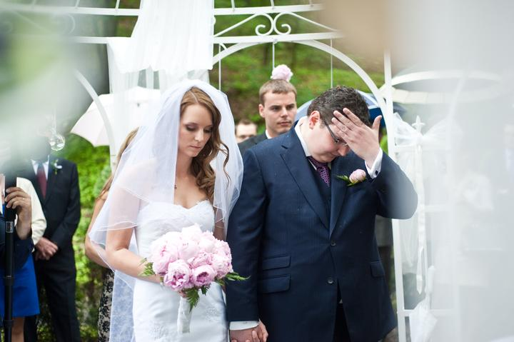 Lucka{{_AND_}}Lukáš - Tohle je super fotka! :-D Já stojím jak mrtvá nevěsta a Luký se chytá za hlavu. :-D