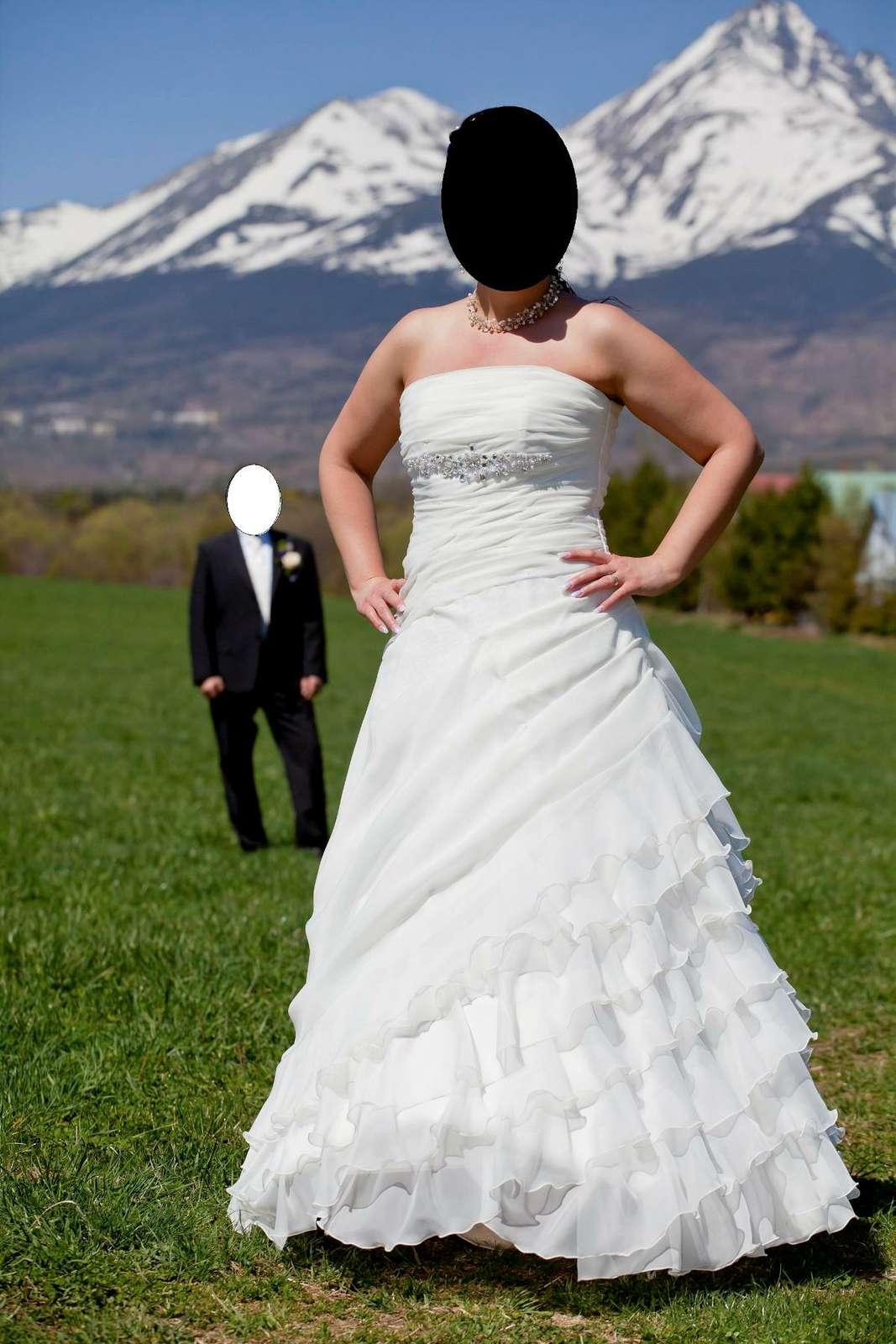 Svadobné šaty s doplnkami 42/44 - Obrázok č. 1