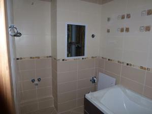 Kúpelňa - verzia s osadenou zárubňou a dverami.