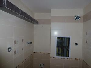 Kúpelňa - treba osadiť umývadlo a skrinku, vypínače a zásuvky, bodové svetlá. Nad umývadlom bude svetlo (dva biele reflektory, už kúpené) a vľavo biely rebrový radiátor (ten ešte nemám).