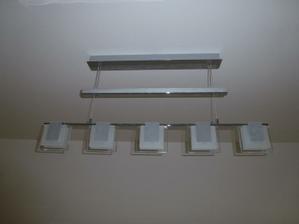 Luster v obývačke zblízka - do kuchyne som si kúpila ten istý typ, akurát má 4 žiarovky.