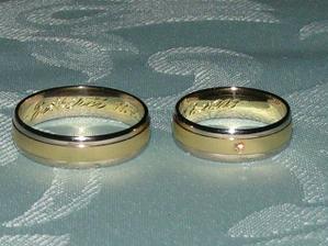 To jsou naše krásné prstýnky