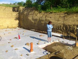 Kontrola či je betón riadne poliaty