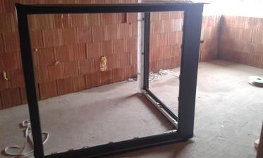 15.2.2016 - rohové okno pripravené na montáž
