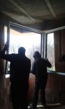 16.2.2016 - Druhý deň. Nahadzovanie rohového okna
