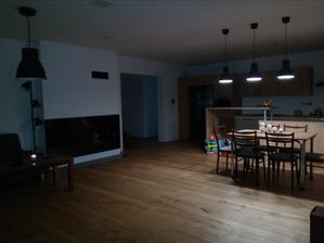Pohľad na kuchyňu z obývačky