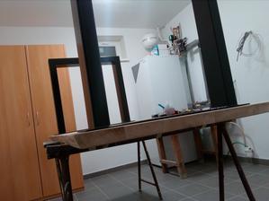 18.2.2017 - Stôl s osadenými nohami na nečisto. Detajl hrany.