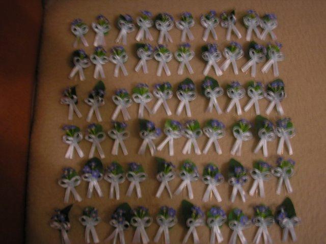 Prípravy 2.5.2009 2.časť - Pierka pre svadobnych hosti.