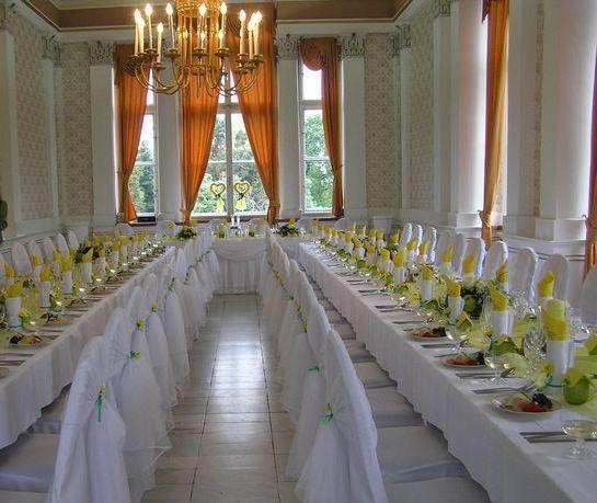Prípravy na svadbičku - niečo na takýto sposob, kombinacia bielo fialová