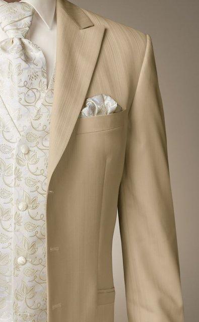 Wedding Royale - zo znaciek oblekov momentalne vedie Wilvorst