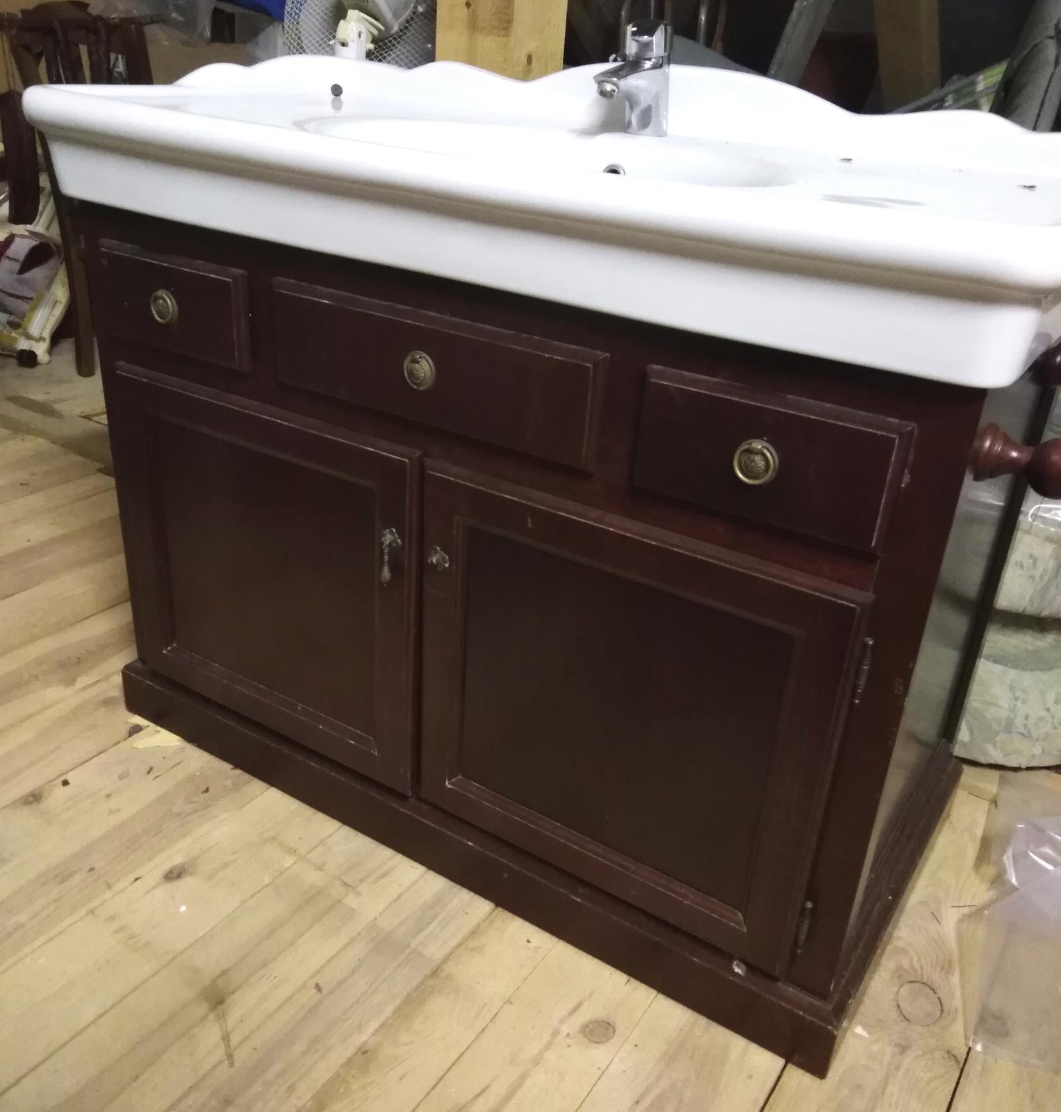 Skrinka s umývadlom - Obrázok č. 1