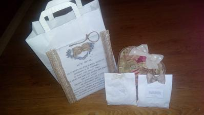 Darcek pre sestru, vonave levandulove sacky, tabulka a skatulka plna zdravych dobrot