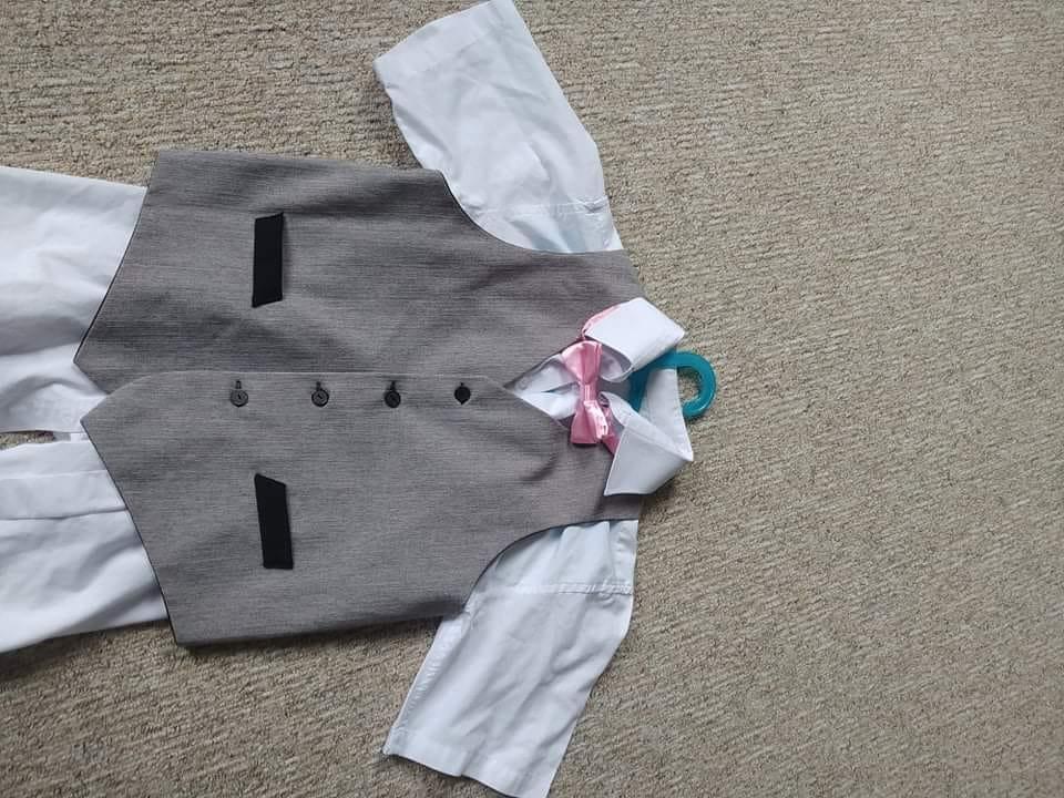 Společenská Košile s krátkým rukávem, vesta  - Obrázek č. 1