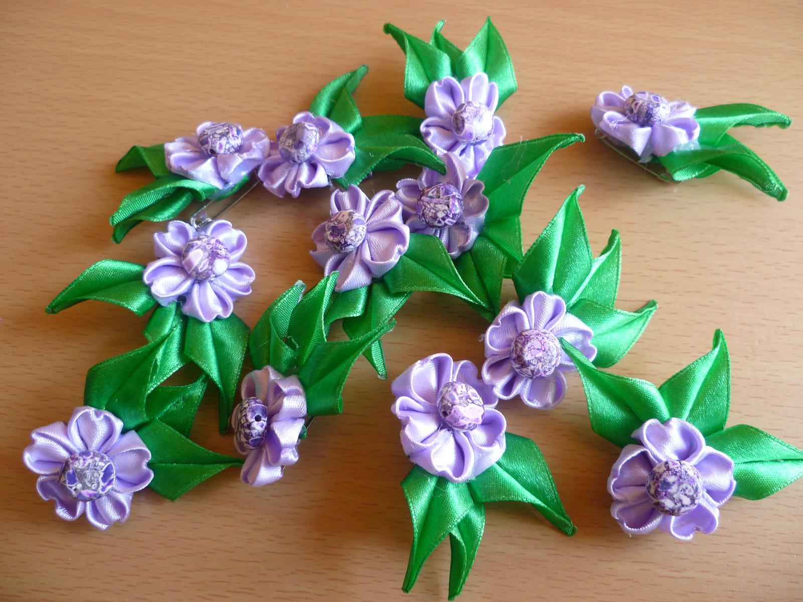 Aj my sa musíme pripraviť na náš veľký deň - NAŠE PRÍPRAVY :-) - Naše svadobné pierka pre hostí, moja vlastná výroba :-)