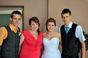a súrodenecké foto, máme sa veľmi radi :)