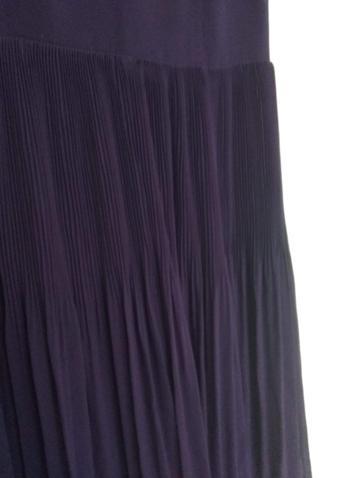 Fialové společenské šaty  - Obrázek č. 2
