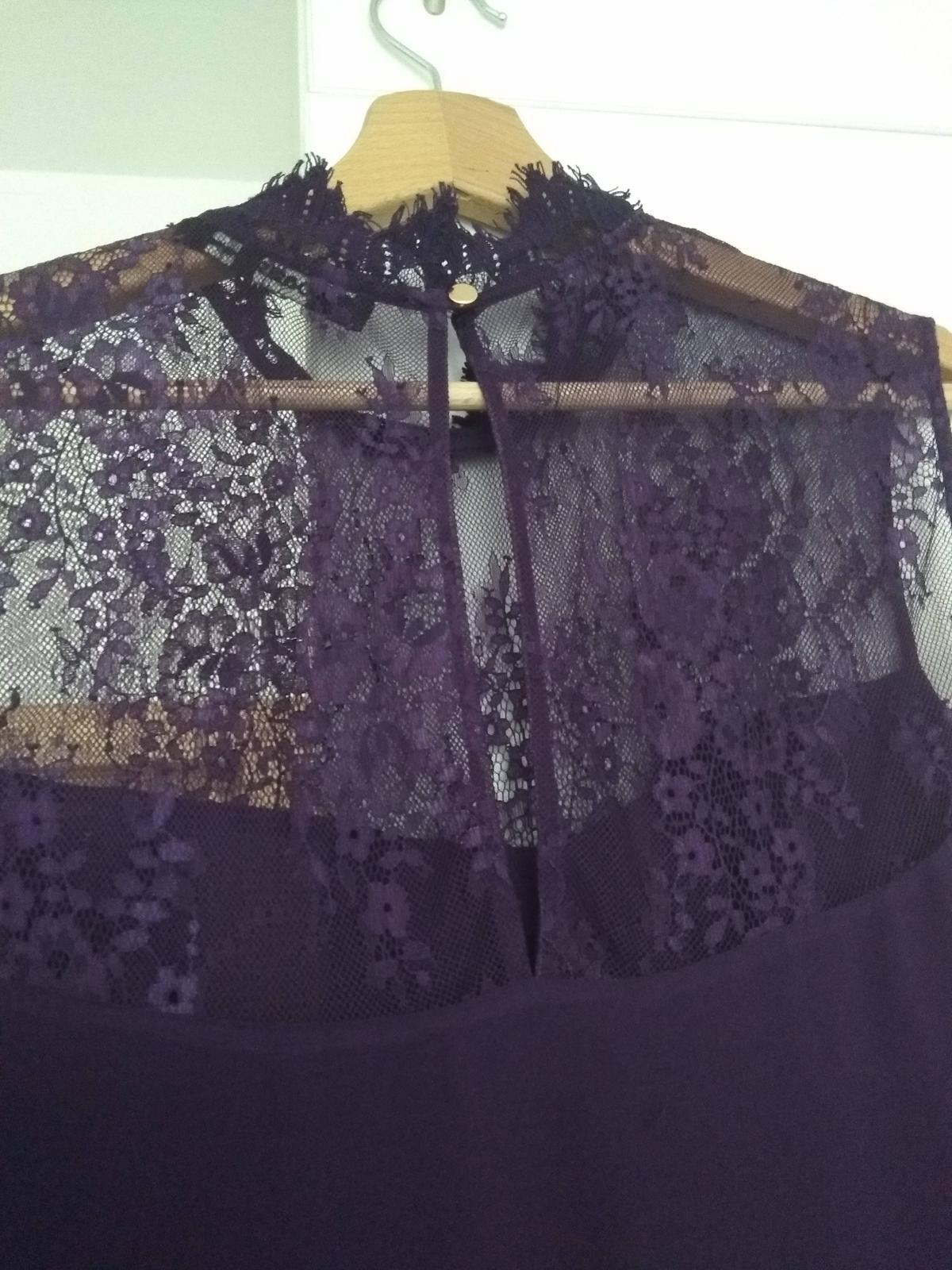 Fialové společenské šaty  - Obrázek č. 4