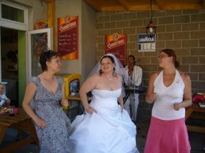 Já a mé sestry při tanci