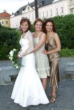 Tri sestry.Pekne postupne z prava/ najstarsia,prostredna,najmladsia.