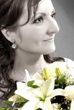 zaujimava farebna kompozicia.Na tejto fotke sa velmi podobam svojej maminke na jej svadobnej fotke.